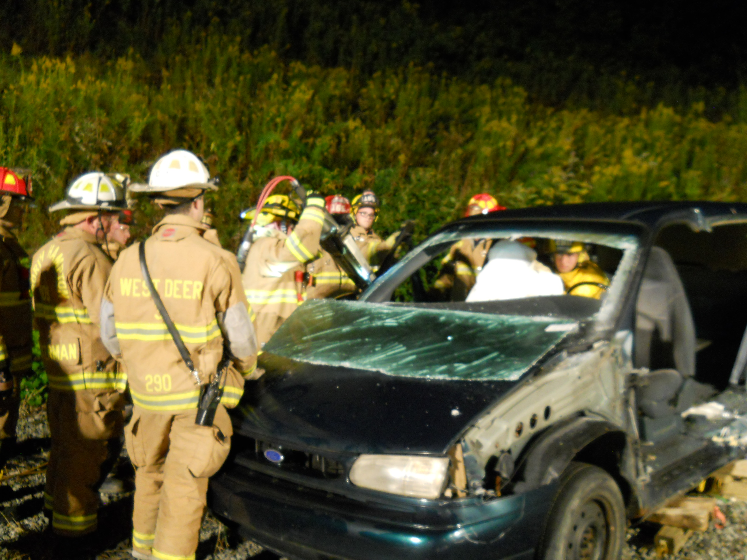 Vehicle-Rescue-Training-with-165-025